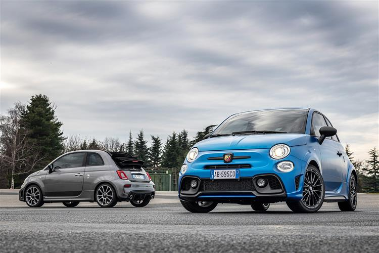 Abarth 595 S4 1.4 T-Jet 165 Yamaha Monster 3dr image 2
