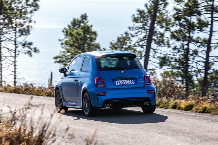 Abarth 595 S4 1.4 T-Jet 165 Yamaha Monster 3dr image 7
