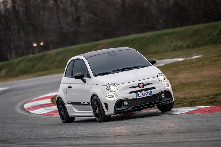 Abarth 595 S4 1.4 T-Jet 165 Yamaha Monster 3dr image 8