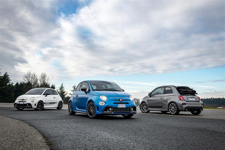 Abarth 595 S4 1.4 T-Jet 165 Yamaha Monster 3dr image 9