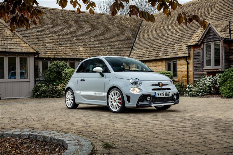 Abarth 595 1.4 Tjet 145 hp 70th Anniversary image 3