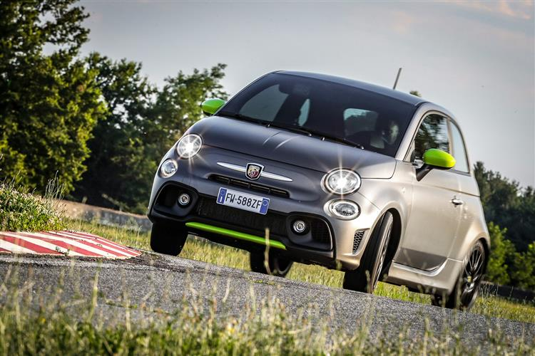 Abarth 595 1.4 Tjet 145 hp 70th Anniversary image 6