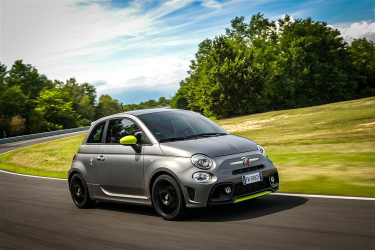 Abarth 595 1.4 Tjet 145 hp 70th Anniversary image 7