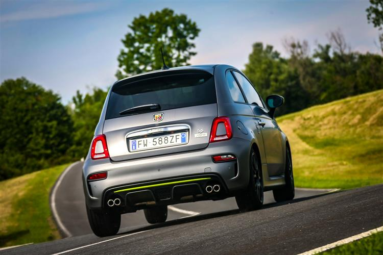 Abarth 595 1.4 Tjet 145 hp 70th Anniversary image 9