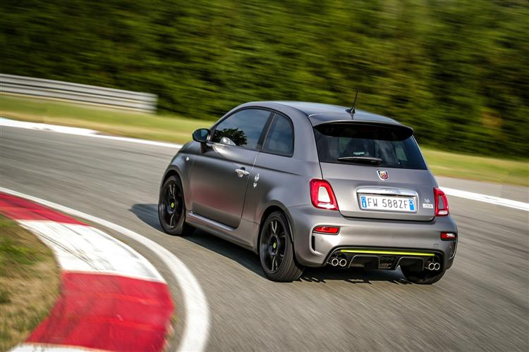 Abarth 595 1.4 Tjet 145 hp 70th Anniversary image 11
