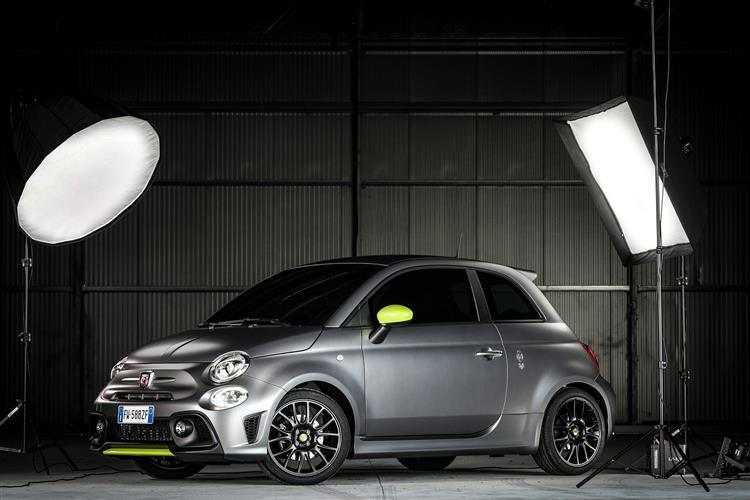 Abarth 595 1.4 Tjet 145 hp 70th Anniversary image 12