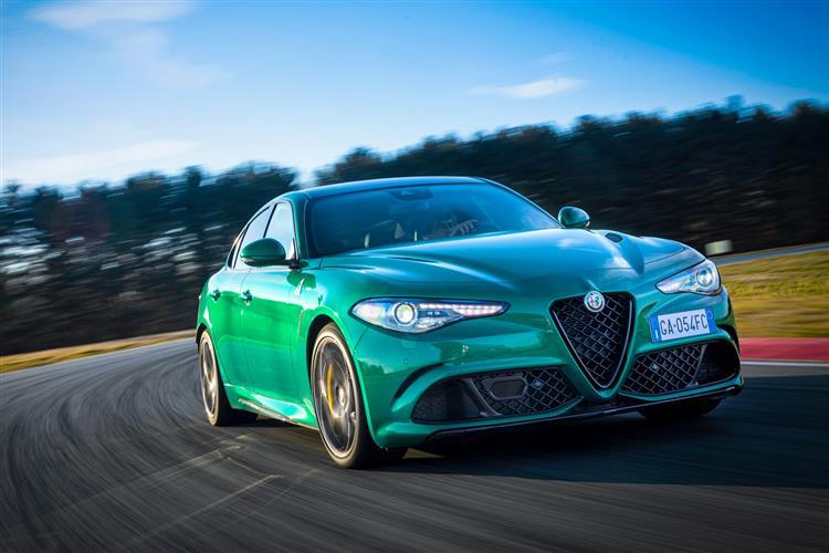 Alfa Romeo Giulia 2.9 V6 BiTurbo Quadrifoglio 4dr Auto image 3