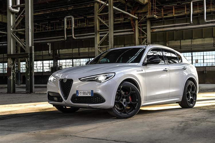 Alfa Romeo Stelvio 2.0 Turbo 280 Veloce 5dr Auto image 2