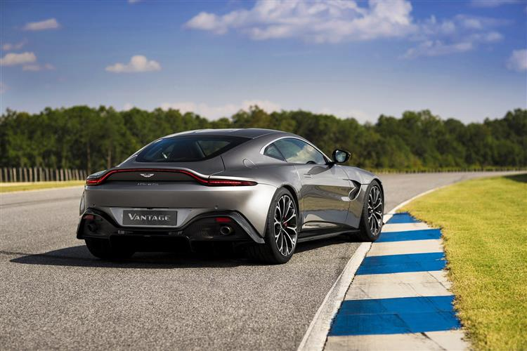 Aston Martin New Vantage Roadster - Uncompromising Performance Meets Pure Emotion image 2