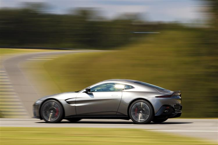 Aston Martin New Vantage Roadster - Uncompromising Performance Meets Pure Emotion image 3