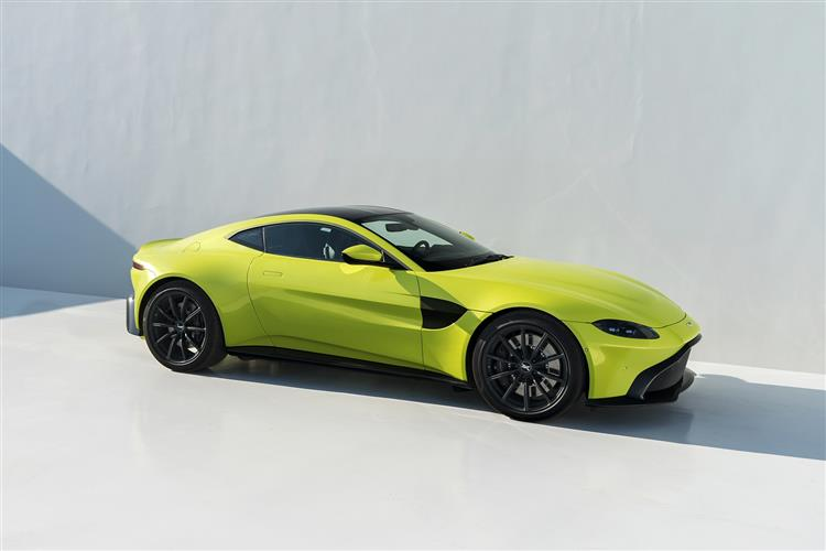 Aston Martin New Vantage Roadster - Uncompromising Performance Meets Pure Emotion image 6