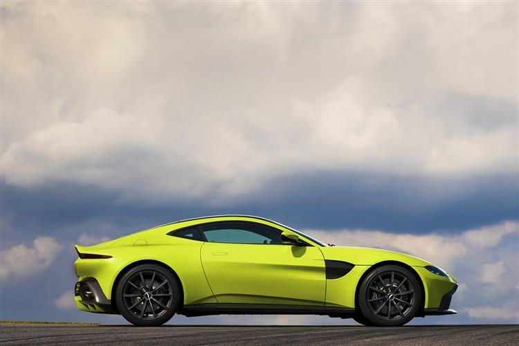 Aston Martin New Vantage Roadster - Uncompromising Performance Meets Pure Emotion image 7