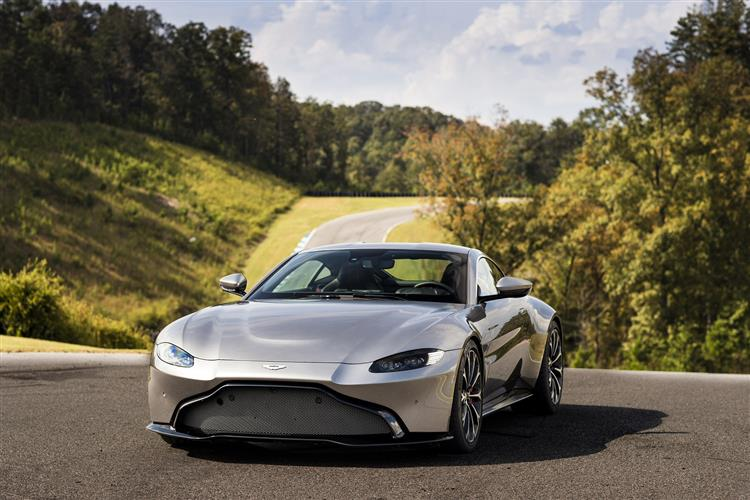 Aston Martin New Vantage Roadster - Uncompromising Performance Meets Pure Emotion image 10