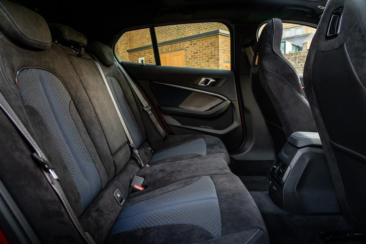 BMW 1 Series 118d SE 5dr [Live Cockpit Professional] Diesel Hatchback