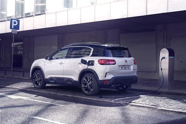 Citroen C5 Aircross SUV 1.6 Plug-in Hybrid 225 Flair Plus 5dr e-EAT8 image 2