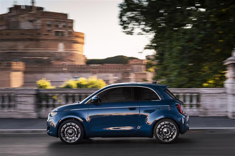 Fiat 500 1.0 Mild Hybrid Sport 3dr image 3