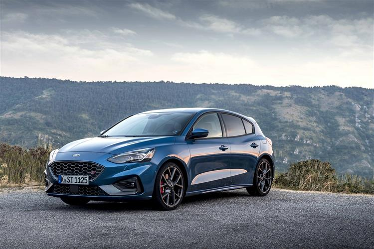 Ford Focus ST 2.3 EcoBoost 280PS image 4
