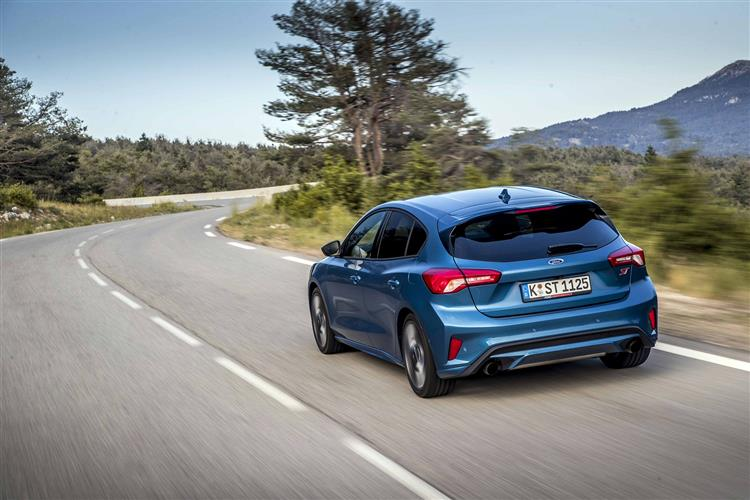 Ford Focus ST 2.3 EcoBoost 280PS image 7
