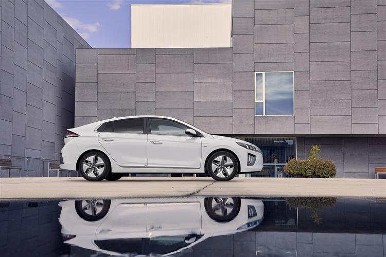 Hyundai IONIQ 1.6 GDi Hybrid SE Connect 5dr DCT Hybrid Hatchback