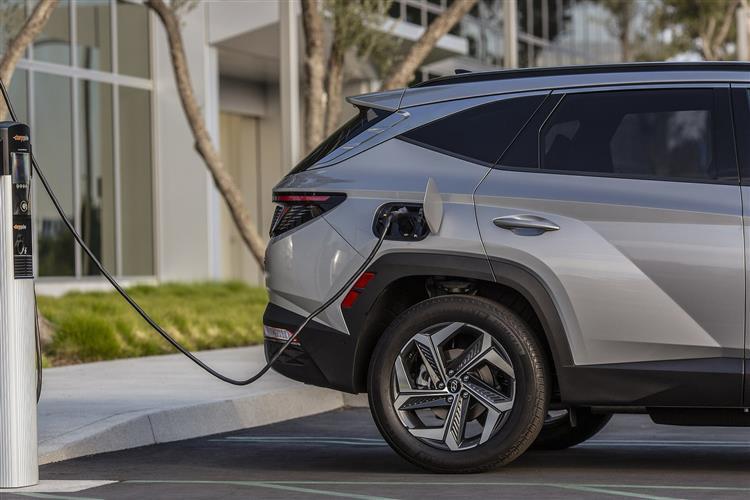 Hyundai Tucson 1.6 TGDi Plug-in Hybrid N Line 5dr 4WD Auto Estate