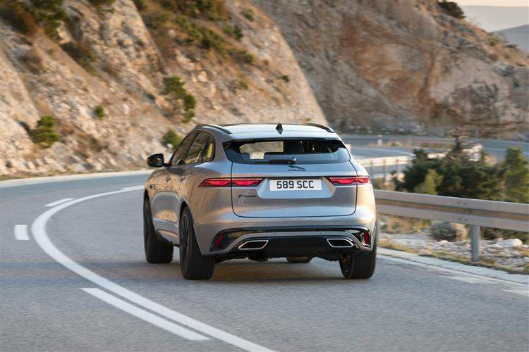 Jaguar F-PACE Chequered Flag Special Edition image 6