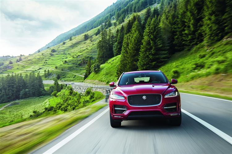 Jaguar F-PACE 2.0d Prestige 5dr Auto AWD image 13