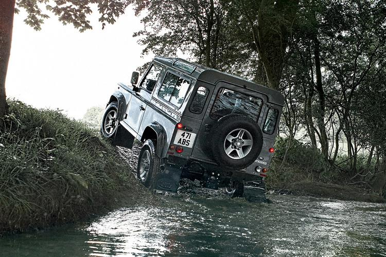 Land Rover DEFENDER 2.0 D200 S 90 3dr Auto [6 Seat]
