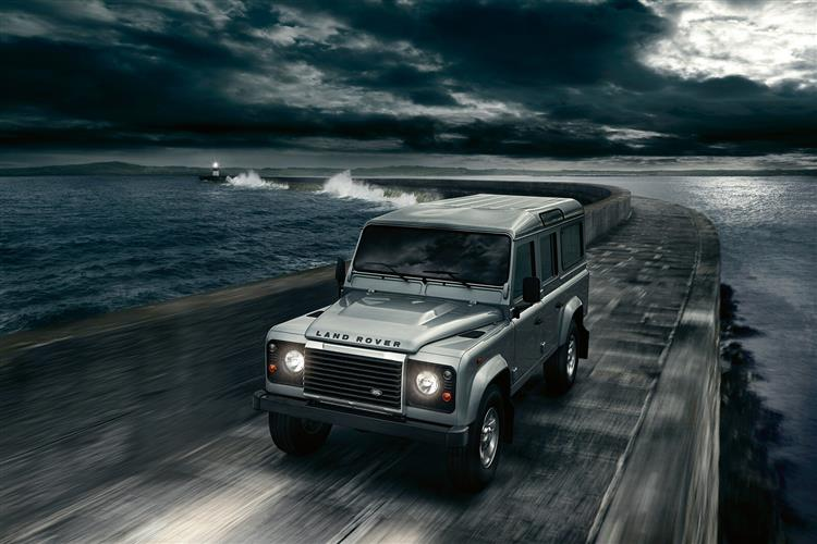 Land Rover DEFENDER 2.0 P300 HSE 90 3dr Auto [6 Seat]