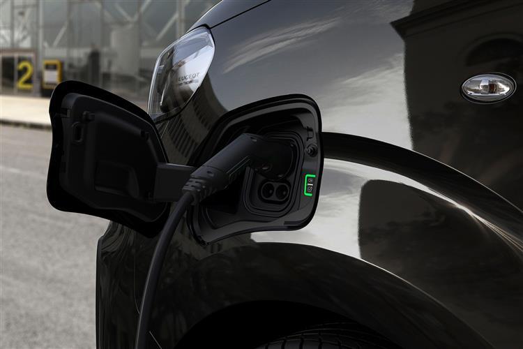 E-TRAVELLER ELECTRIC ESTATE Image