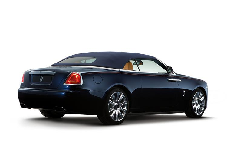 Rolls-Royce Black Badge Dawn - The latest convert to the dark side image 5