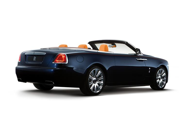 Rolls-Royce Black Badge Dawn - The latest convert to the dark side image 6