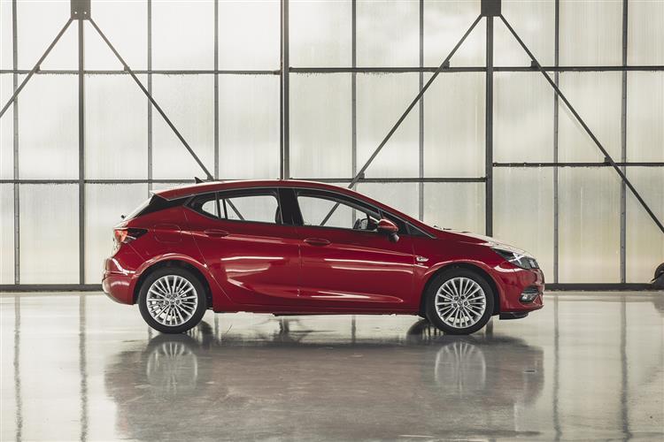 Vauxhall Astra 1.5 Turbo D 105 SRi 5dr image 1