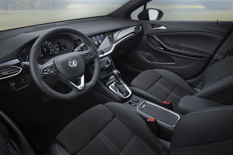Vauxhall Astra Sports Tourer 1.2 Turbo 145 SRi Nav 5dr image 4