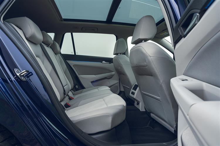 Volkswagen Golf 1.0 eTSI Life 5dr DSG Petrol Estate