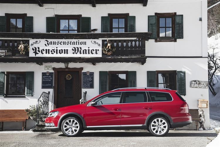 New Volkswagen Passat Alltrack (2012 - 2015) review