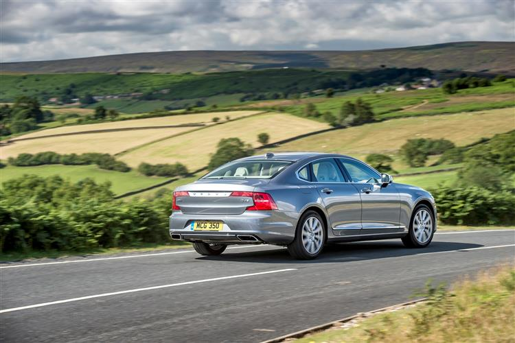 Volvo S90 T4 Momentum Plus Including Metallic Paint image 4