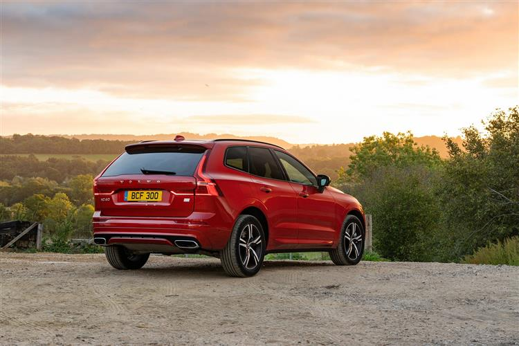 Volvo XC60 B4D FWD Momentum Automatic Metallic image 2 thumbnail