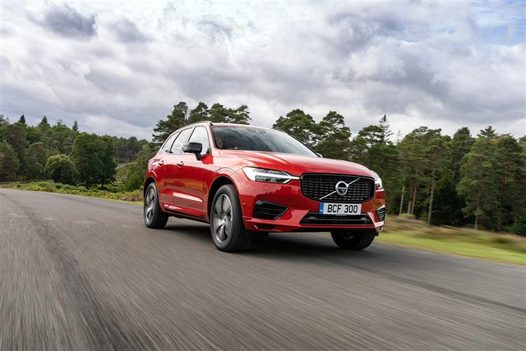 Volvo XC60 B5P Momentum FWD Automatic image 3