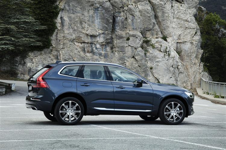 Volvo XC60 2.0 D4 R DESIGN 5dr Geartronic image 2
