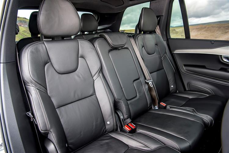 Volvo XC90 T8 Hybrid R-Design AWD Automatic image 11