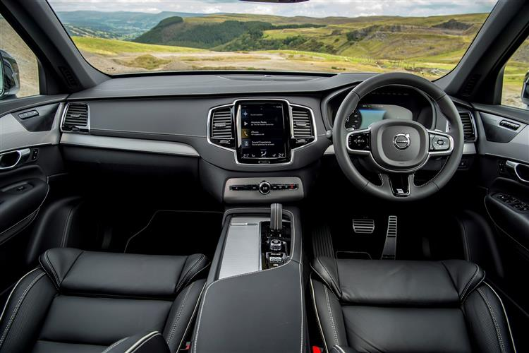 Volvo XC90 T8 Hybrid R-Design AWD Automatic image 13