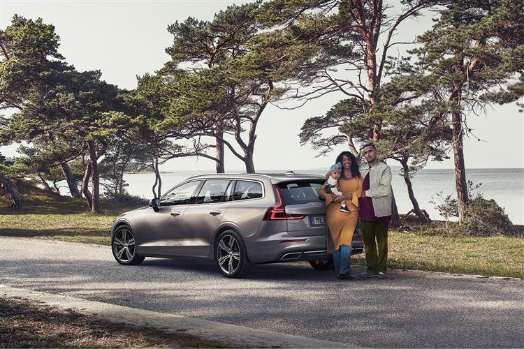 Volvo New V60 T4 Momentum Plus Automatic Metallic image 13