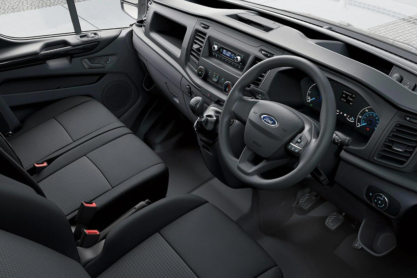 FORD TRANSIT CUSTOM 300 L1 DIESEL FWD 2.0 EcoBlue 130ps High Roof Trend Van Auto