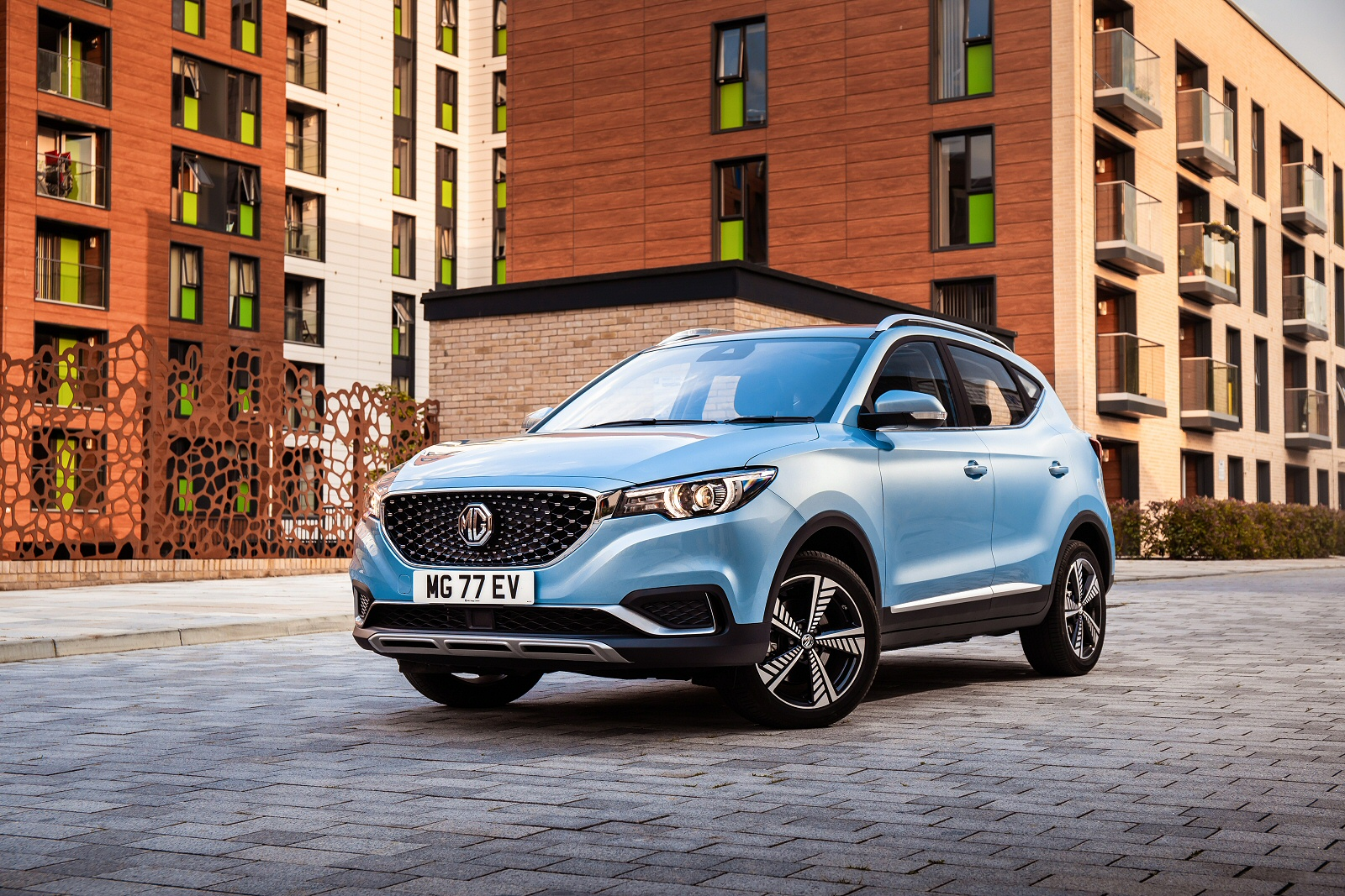 MG MOTOR UK ZS ELECTRIC HATCHBACK 105kW Exclusive EV 45kWh 5dr Auto