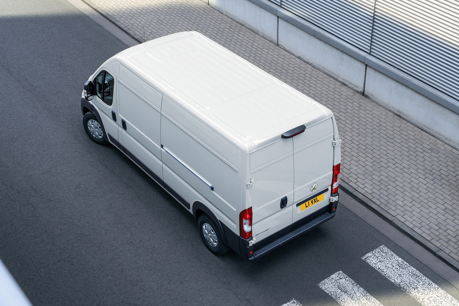 VAUXHALL MOVANO 3500 L3 DIESEL RWD 2.3 Turbo D 145ps H1 Chassis Cab