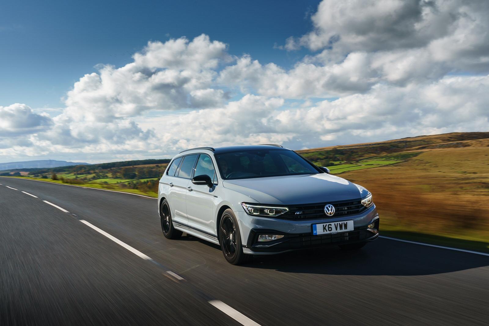 Volkswagen PASSAT 2.0 TDI EVO SCR R-Line 4dr DSG