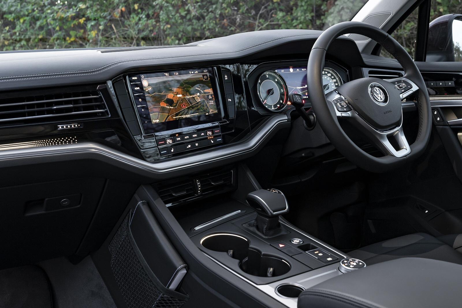 Volkswagen Touareg 3.0TDI (286ps) Black Edition 4Motion 5dr + DYNAUDIO/EXTRAS