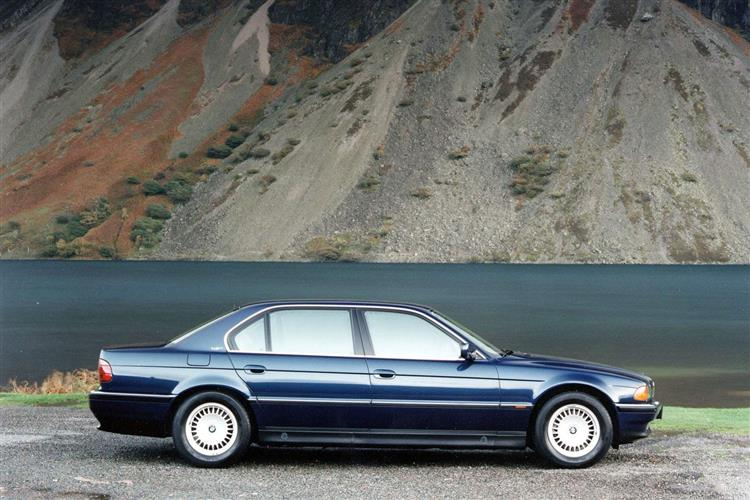 New BMW 7 Series (1986 - 1994) review