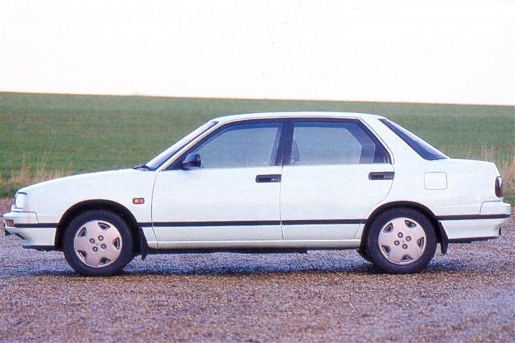New Daihatsu Applause (1990 - 1996) review