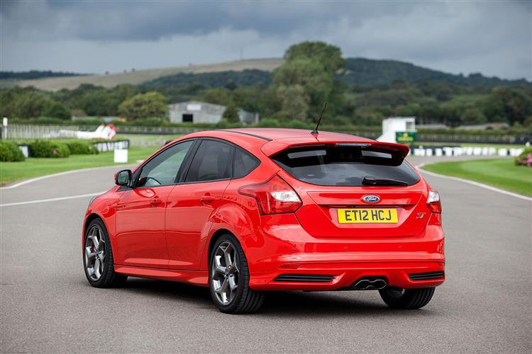 New Ford Focus ST (2012 - 2014) review